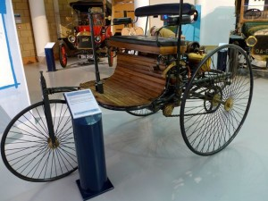 1885-gas-powered-car.jpg